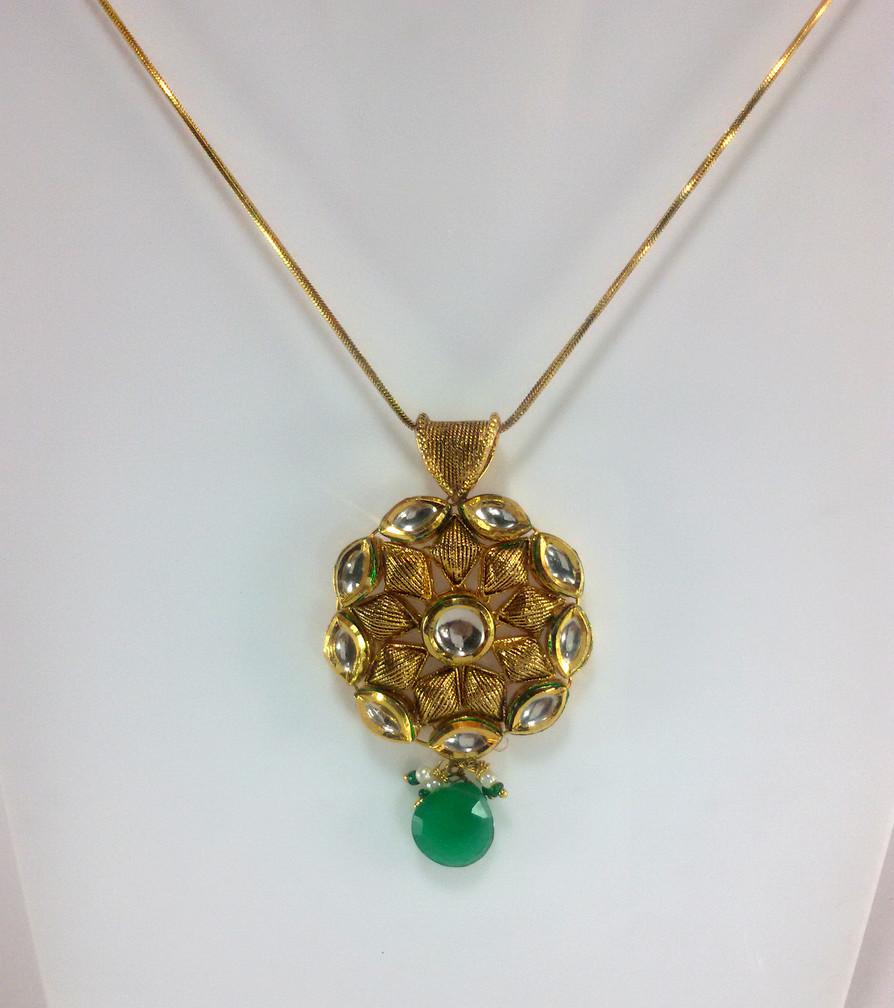 Emerald shade Kundan Pendant