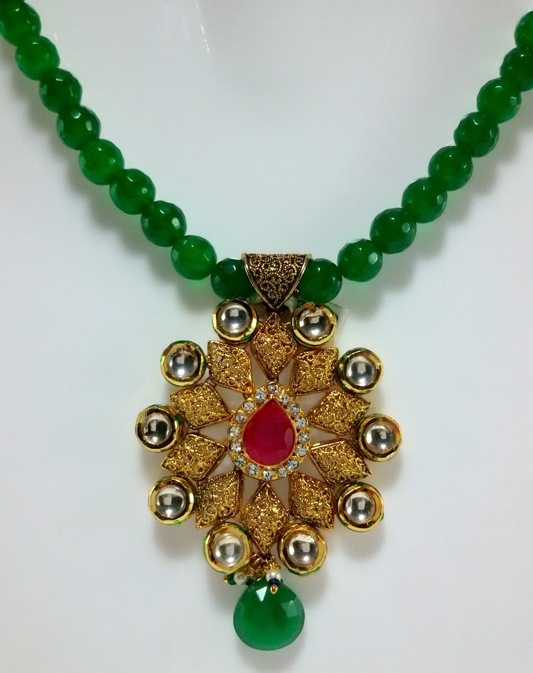 Green Kundan AD Set Earrings With Onyx Strings