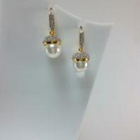 Pearl Hanging Earrings