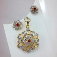 DaphneBazaar Amercain Daimond Ruby Pendant and Earrings closer look