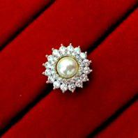 Daphne Sparkling Zircon White Pearl Top